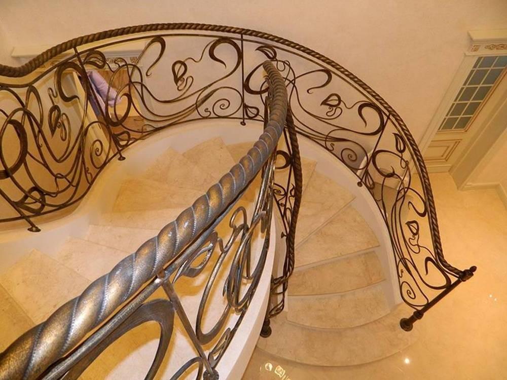 Кованые ограждения для лестниц в частном доме Севастополь Крым